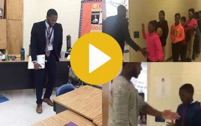 Barry White, el profesor que tiene un saludo diferente para cada alumno